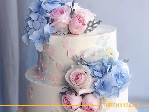 Красивый и нежный торт на свадьбу с цветами