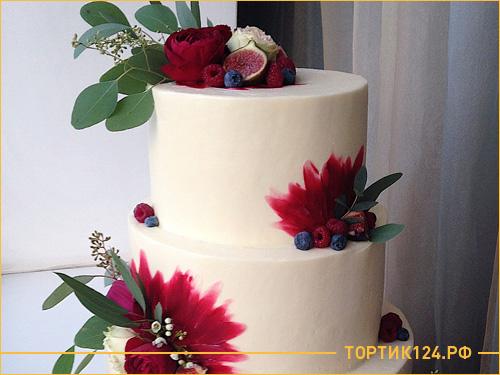 Бисквитный трех ярусный торт на свадьбу