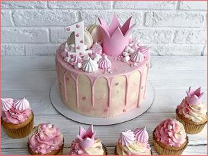 Торт на заказ для мальчика на юбилей три годика