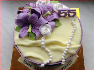 Красивый торт на заказ праздник юбилей женщине и маме 55 лет