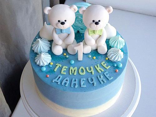Бисквитный торт на годик мальчику с мишками