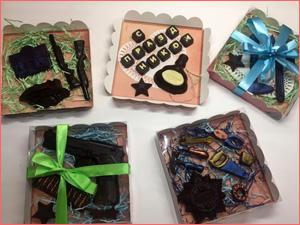 Разные шоколадные наборы на праздник