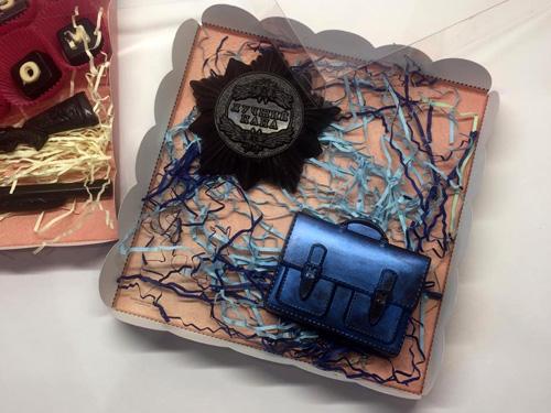 Шоколадный набор с портфелем для школьника