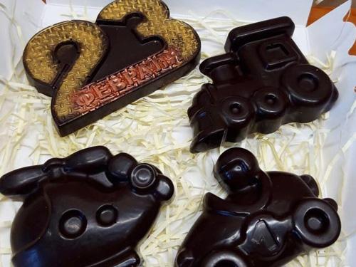 Фигурки из шоколада на день защитника отечества