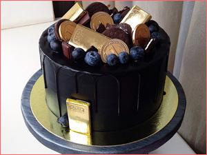 Бисквитный торт с черникой на корпоратив